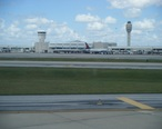 Orlando_International_Airport_terminal_from_arriving_airplane.jpg
