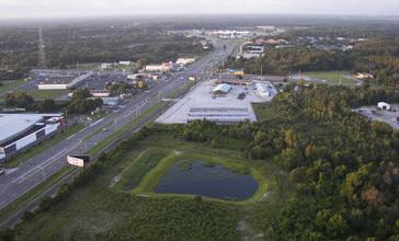 Land_O__Lakes__Florida_from_hot_air_balloon.jpg
