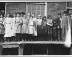 All_except_smallest_boy_work_in_Sweetwater_Hosiery_Co._He_is_a_dinner_carrier__but_others_like_him_and_smaller_work..._-_NARA_-_523367.jpg