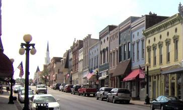 Downtown_Harrodsburg_Kentucky_2.jpg