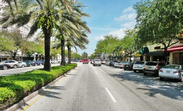 Miracle_Mile_in_Coral_Gables_20100403.jpg