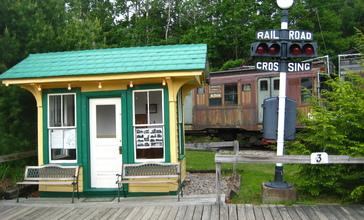 Morrison_Hill_station_at_Seashore_Trolley_Museum__May_2010.jpg
