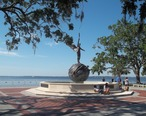 Jax_FL_Memorial_Park_statue1-05.jpg