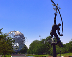 Unisphere_Fountains_-_The_Rocket_Thrower_01.jpg
