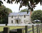 Donaldson-Bannister_House_and_Cemetery_Dunwoody_GA_2012.JPG