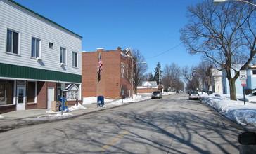 Bloomdale__Ohio_viewed_from_Main_Street-026860.JPG