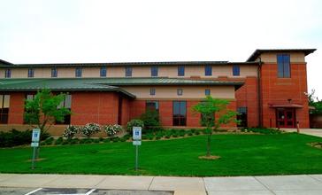 Fitchburg_City_Hall_-_panoramio.jpg