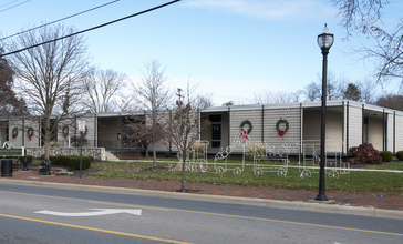 Whitehall_Municipal_Building_Decorated_for_Christmas_2.jpg