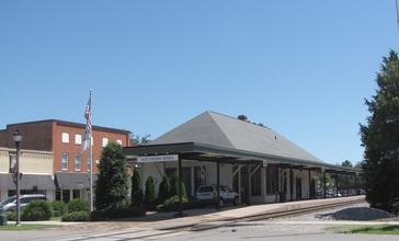 Amtrak_Station_-_Southern_Pines__North_Carolina.jpg