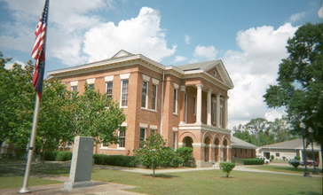 Perry_County_Mississippi_Courthouse.jpg