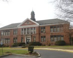 Greenvale_Elementary_School__Eastchester__New_York__cloudy_afternoon_jeh.jpg