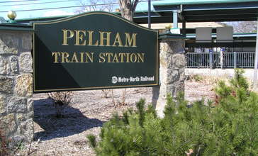 Pelham_Train_Station_April_2011.jpg