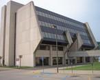 Parkersburg_Municipal_Building.jpg