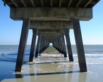 Tybee_Island_Pier_in_Savannah__Georgia.jpg