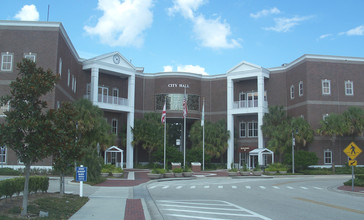 St_Cloud_FL_City_Hall02.jpg
