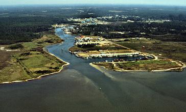 Bayou_La_Batre_harbor_aerial_view.jpg