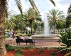 Fountain_Walk_in_Downtown_Winter_Haven__Florida.jpg