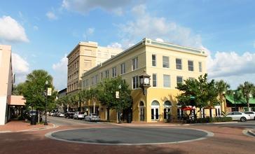 Downtown_Winter_Haven__Florida.jpg