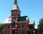 Tate_County_Courthouse_with_Sign.jpg