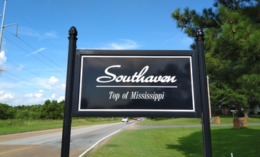 Southaven_Top_Of_Mississippi_sign.jpg