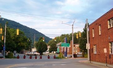 Webster_Springs__West_Virginia_-_panoramio.jpg