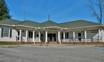 Brantley__Alabama_Municipal_Building_and_Mary_Moxley_Weed_Public_Library.JPG