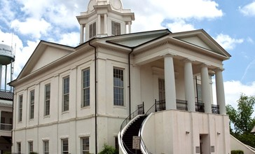 Lowndes_County_Courthouse.jpg