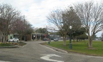 Main_Street_in_Picayune.jpg
