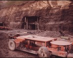 MACHINERY_SURROUNDS_THE_OPENING_OF_A_NEW_COAL_MINE__CALLED_THE_ROBIN_MINE__OWNED_BY_THE_ALMA_COAL_CORPORATION_NEAR..._-_NARA_-_556446.jpg