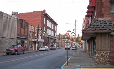 Shinnston_West_Virginia.jpg