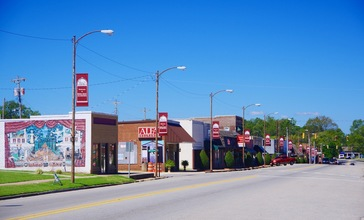 Red-Bay-Fourth-Ave-al.jpg