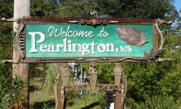 Pearlington_mississippi_sign.jpg