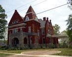 Parker-Reynolds_House_330_E._6th_St_April_2014.jpg