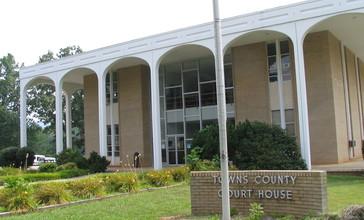 Towns_County_Georgia_Courthouse.jpg