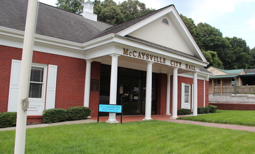 McCaysville_City_Hall_-_panoramio.jpg