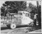 Itta_Bena_MS_WWI_parade_Love_and_Service_for_Our_Boys_float.jpg