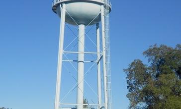 Bridgeville_DE_watertower.jpg