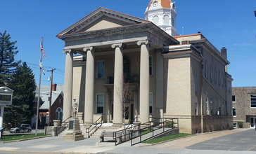 Hampshire_County_Courthouse.jpg