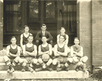 1922_Dickson__Tn._Basketball_Team.jpg