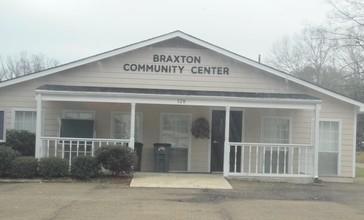 Braxton_Community_Center.jpg