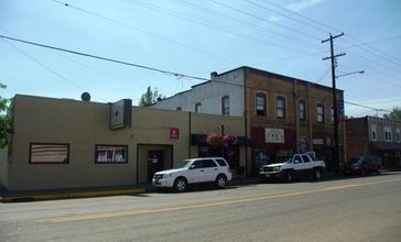 Willamina_Oregon_downtown_Main_Street.JPG