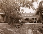 _The_Eutaw___William_Henry_Sinkler_house__Eutawville_vicinity__Berkeley_County__South_Carolina._Drive_to_entrance.jpg