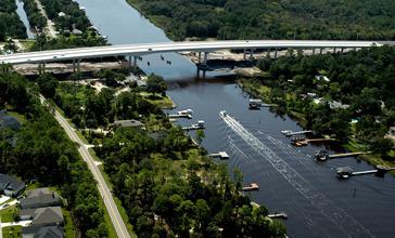 New_Palm_Valley_Bridge.jpg