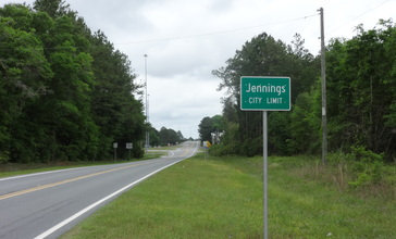 Jennings_city_limit__CR143NB.JPG