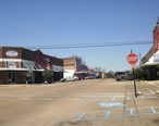 Downtown_Magee_Mississippi_Main_Street_2013.jpg