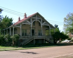 Historical_House_-_Natchez.JPG