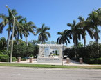 Boca_Raton_M_L_King_memorial_across_street.JPG