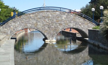 Bridge_Reflections_on_the_Carroll_Creek_-_panoramio.jpg