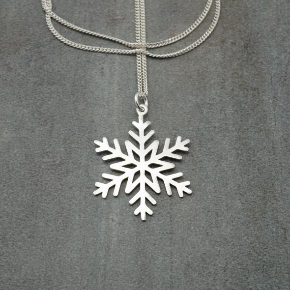 Star snowflake pendant