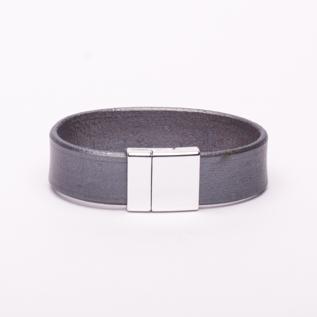 Bracelet Gray Leather Silver Magnetic Clasp